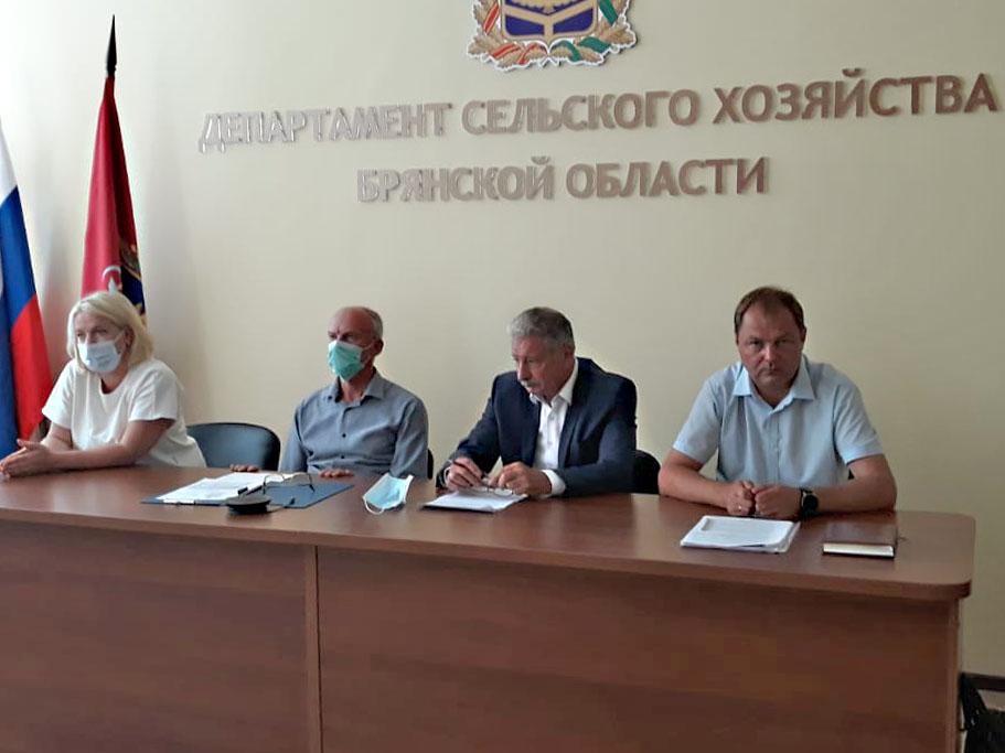 Вопросы контроля в области безопасного обращения с пестицидами и агрохимикатами обсудили в Брянске